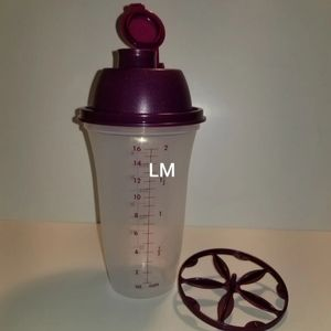 NEW TUPPERWARE QUICK SHAKE
